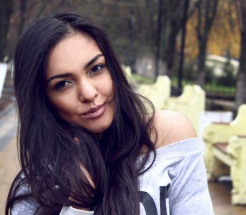 femei singure online)